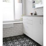 Черно-белый контраст; плитка с оригинальными узорами