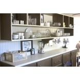 Дизайн кухни. Открытые полки: за и против