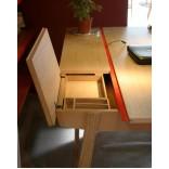 Современный письменный стол с ящиками