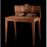 Стол бюро-секретер со скромным именем Вольтер