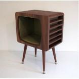 Тубочка в форме старого пузатого телевизора на ножках