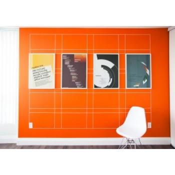 Графика на стенах из виниловой ленты
