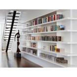 23 фото оригинальных встроенных книжных полок