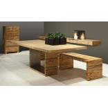 Скромный столик - это сердце дома