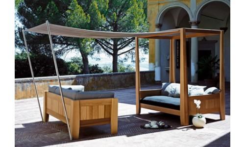 Садовый диван с навесом
