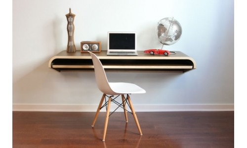 Минимальный письменный стол от студии Оранж 22