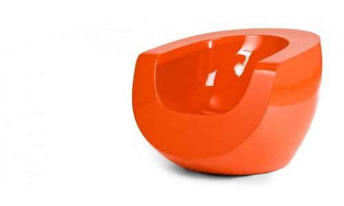 Лунное кресло из стекловолокна оранжевого цвета