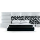 Кровать на платформк от Marcel Wanders для фирмы Poliform