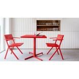 Красный стол и стулья дизайна Эму Жан Нувель