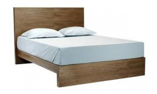 Двухспальная кровать от Desiron – красота в простоте
