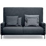 Городской шикарный диван в сером исполнении