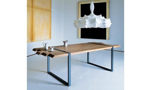 Дизайнерский обеденный стол от фирмы Zanotta