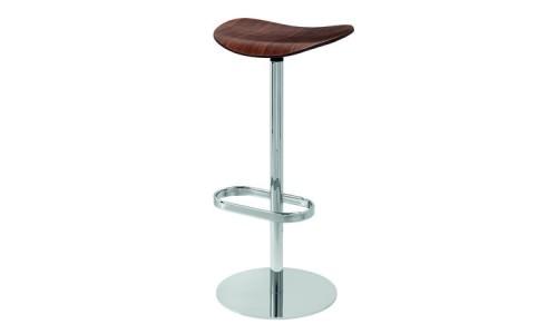 Барный стул из деревянного шпона на хромированной стойке