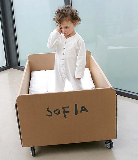 Детская кроватка своими руками из картона