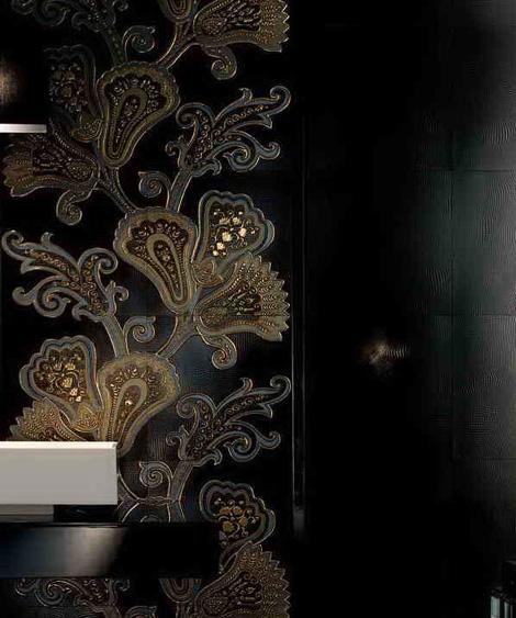 Темная плитка итальянская с цветочным дизайном фото