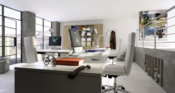 Удобный и просторный домашний офис