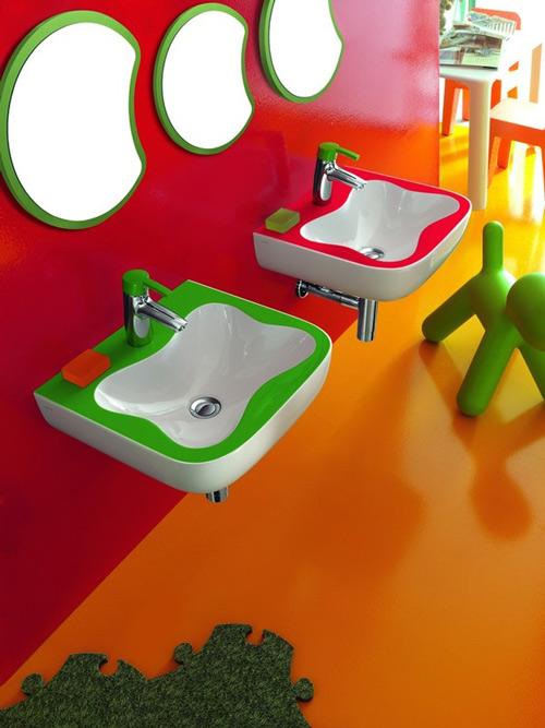 Детская разноцветная сантехника
