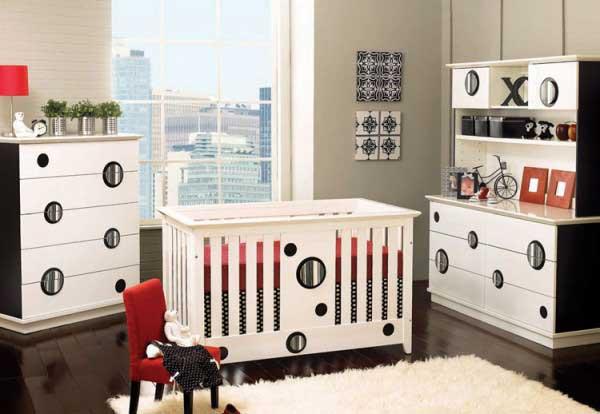 Набор детской мебели для ребенка младшего возвраста