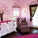 Детская комната виниловые наклейки деревьев на розовом фоне