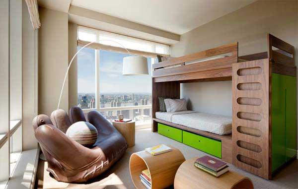 Двухъярусная деревянная кровать с выдвижными ящиками под нижнеим лежаком
