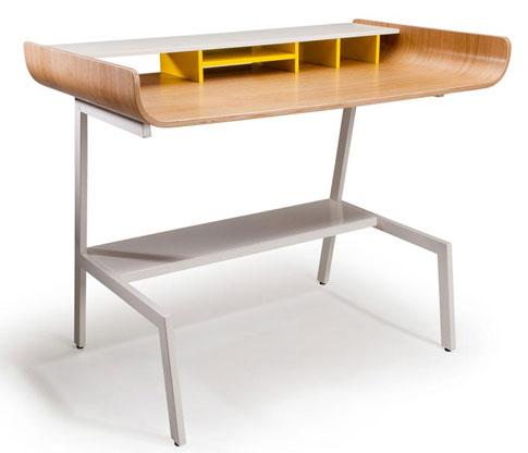 Легкий и изящный рабочий стол