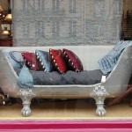 Оригинальный диван из старинной ванны своими руками