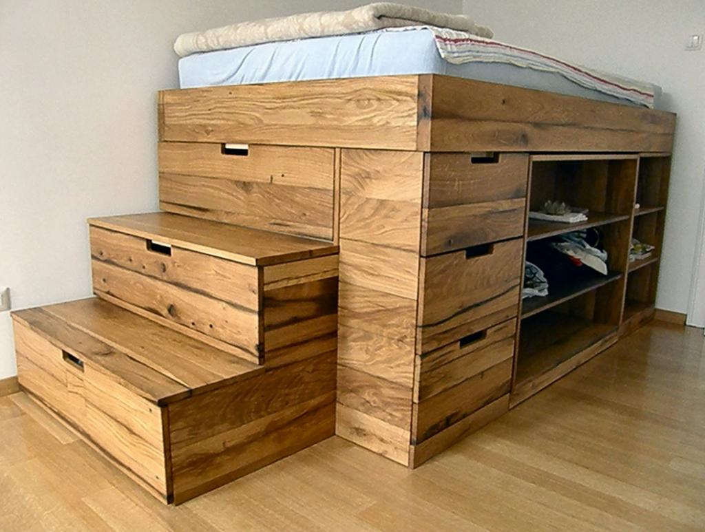 Двухъярусная кровать из дерева с ящиками